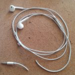 apple earphones broken